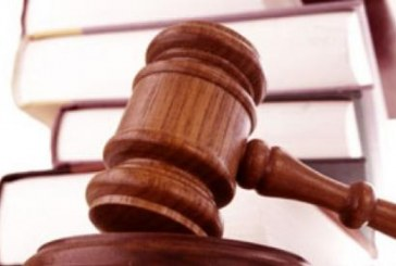 Cassazione Penale, Sez. 7, 02 maggio 2017, n. 20703 – Lavori edili in quota con un ponteggio privo di parapetto: responsabilità del CSE per mancata contestazione